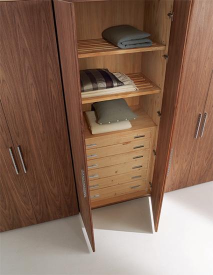 kleiderschr nke four season von riva cramer m bel design. Black Bedroom Furniture Sets. Home Design Ideas