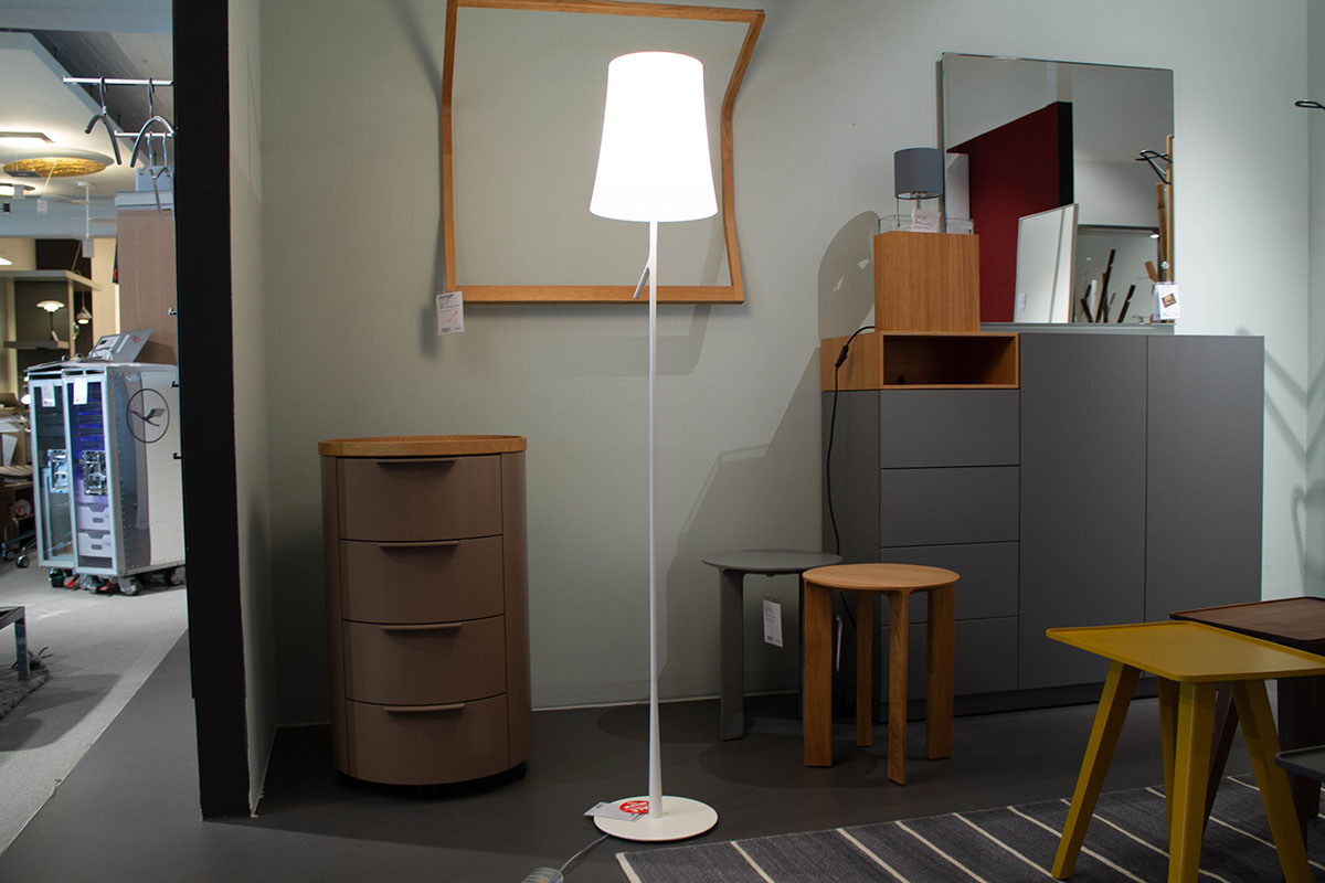 Ausstellungstück im Sale: Steh-/Leseleuchte Birdie von Foscarini für 222 €