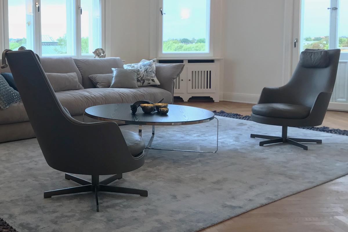 Ausstellungstück im Sale: Sessel mit Kopfkissen Guscioalto von Flexform für 2.990 €