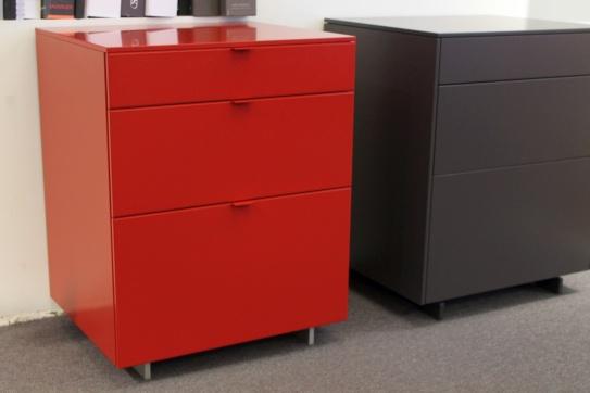 kommoden designerm bel sale ausstellungsst cke aus dem bereich kommoden cramer m bel design. Black Bedroom Furniture Sets. Home Design Ideas