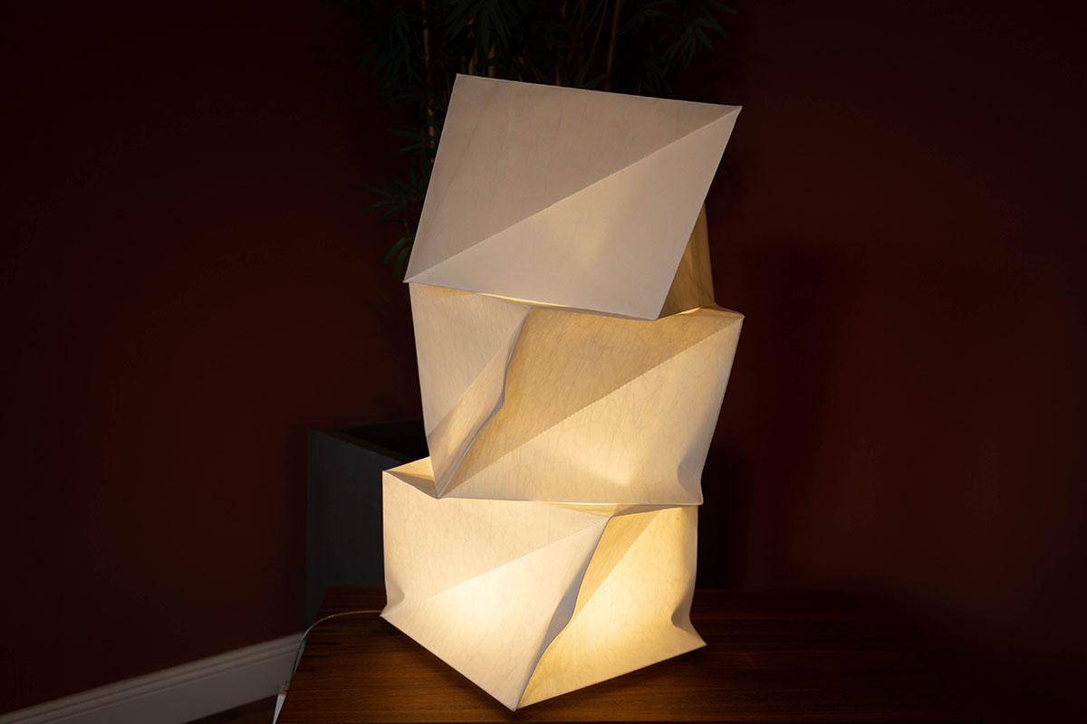 Ausstellungstück im Sale: LED-Tischleuchte IN-EI Mogura T von Artemide für 445 €