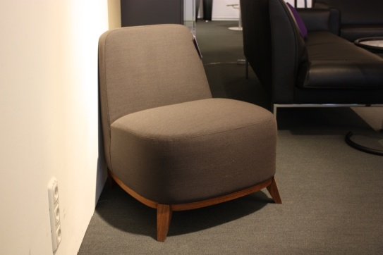 beistellsessel designerm bel sale ausstellungsst cke aus dem bereich beistellsessel cramer. Black Bedroom Furniture Sets. Home Design Ideas