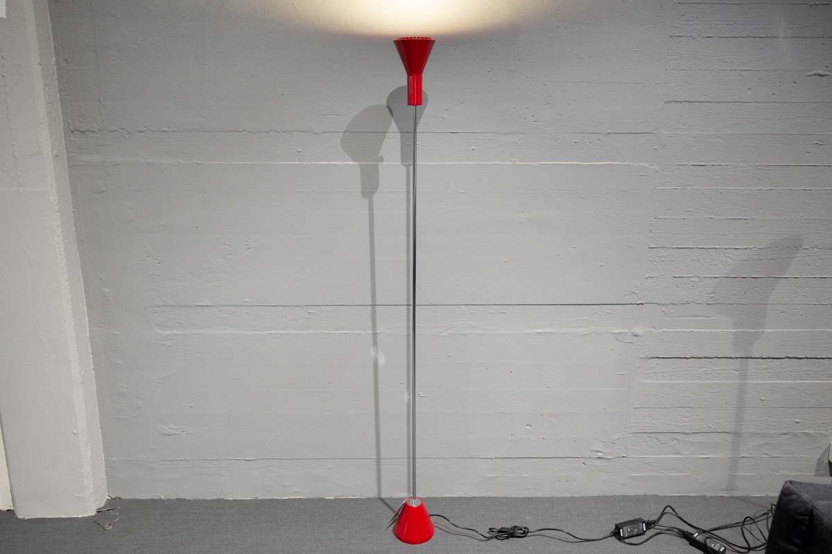 Ausstellungstück im Sale: Stehleuchte / Deckenstrahler ES 57 rot von Tecnolumen für 525 €