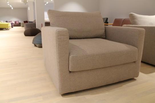 cramerfactory sofa ventiquattro als ausstellungsst ck im sale cramer m bel design. Black Bedroom Furniture Sets. Home Design Ideas