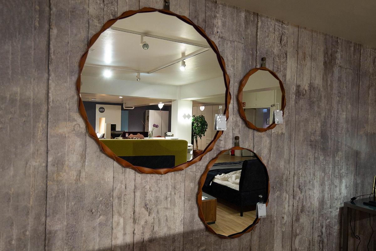 Ausstellungstück im Sale: Spiegel Gruppe Raperonzolo von Zanotta für 1.890 €