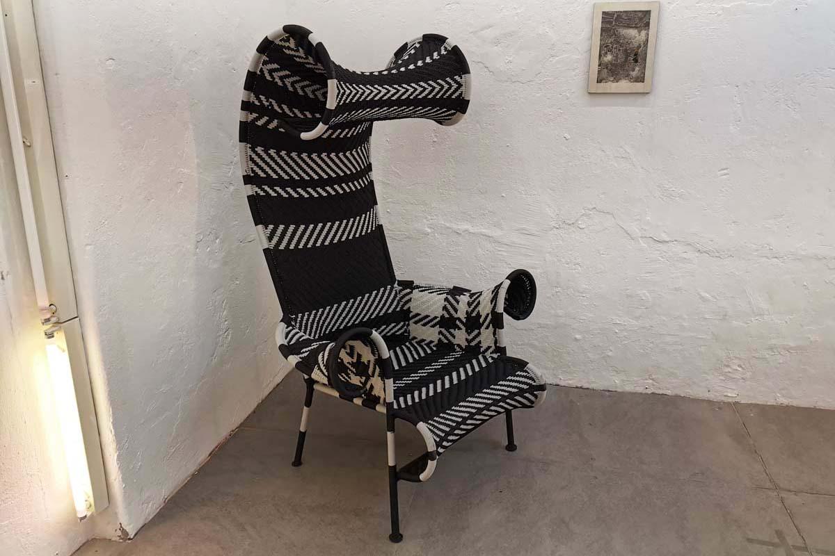 Ausstellungstück im Sale: Sessel Shadowy schwarz/weiß von Moroso für 1.050 €
