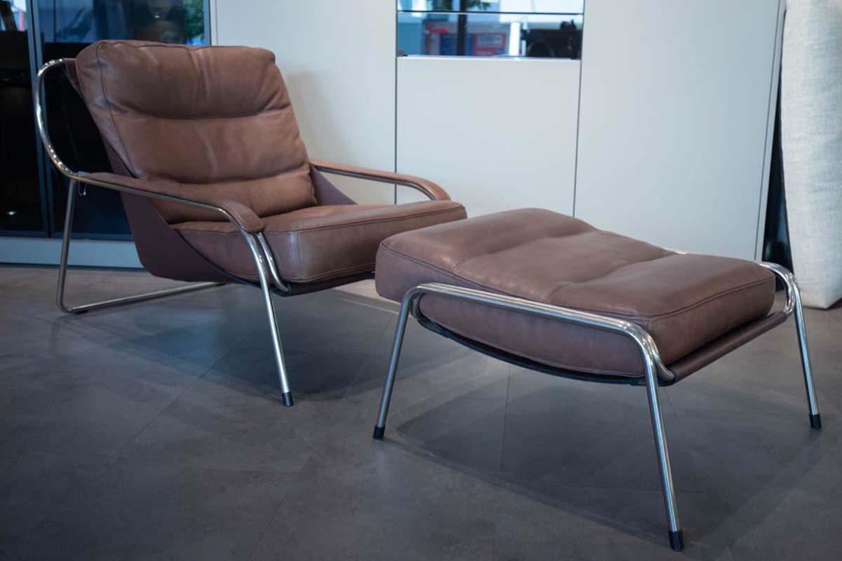 Ausstellungstück im Sale: Sessel mit Hocker Maggiolina von Zanotta für 5.900 €