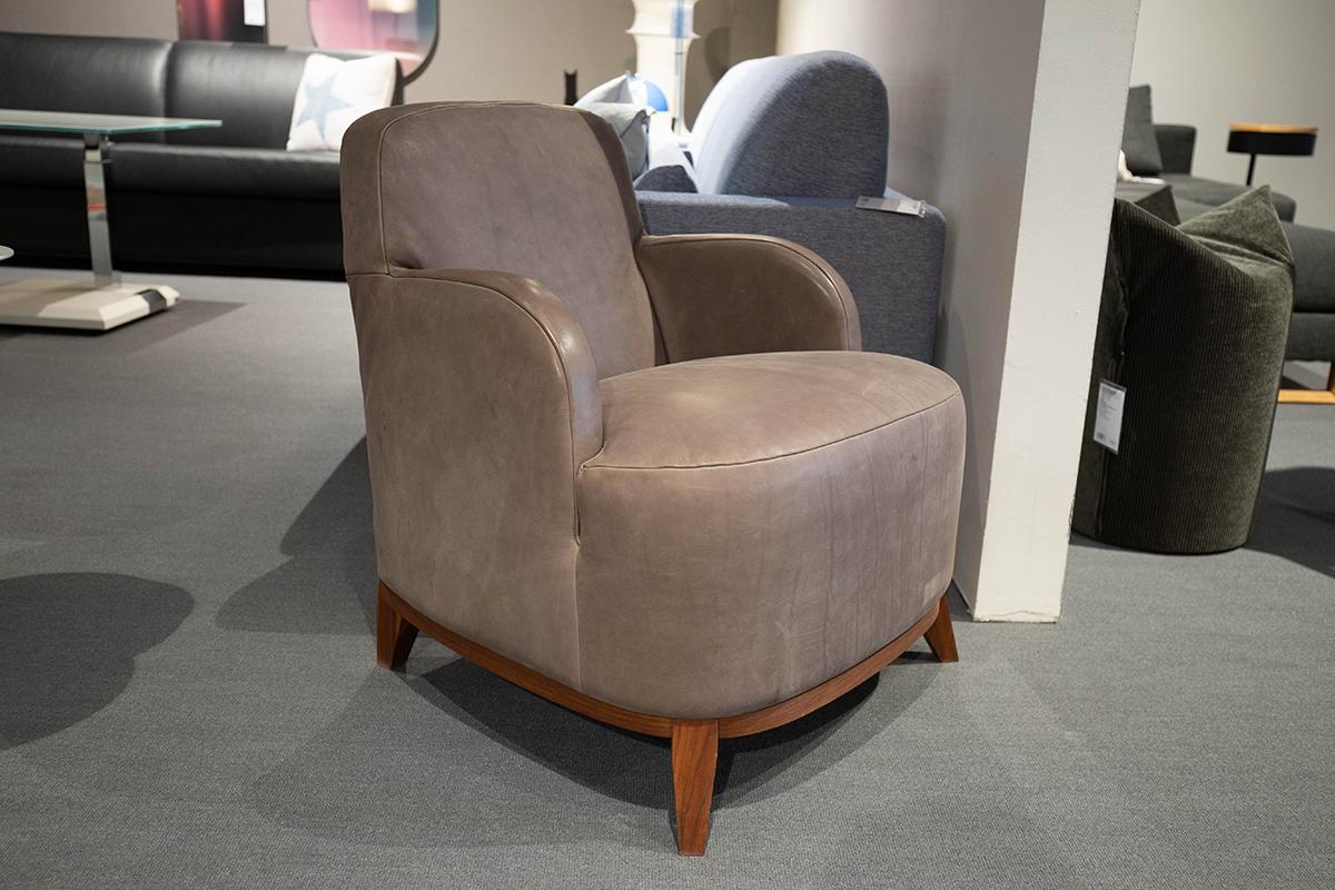 Ausstellungstück im Sale: Sessel Cavallo von Cramer Polstermanufaktur für 1.690 €