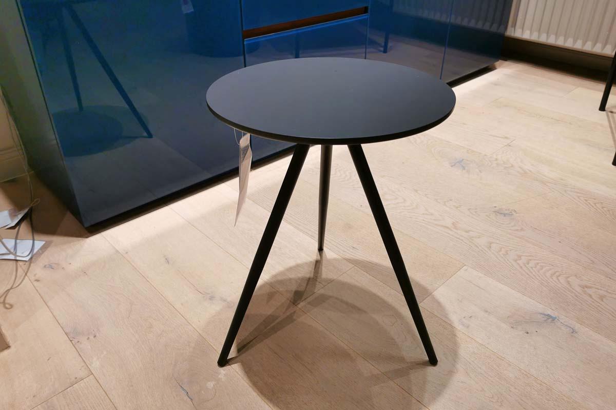 Ausstellungstück im Sale: Beistelltisch Cono verschiedene Varianten von Möller Design für 230 €