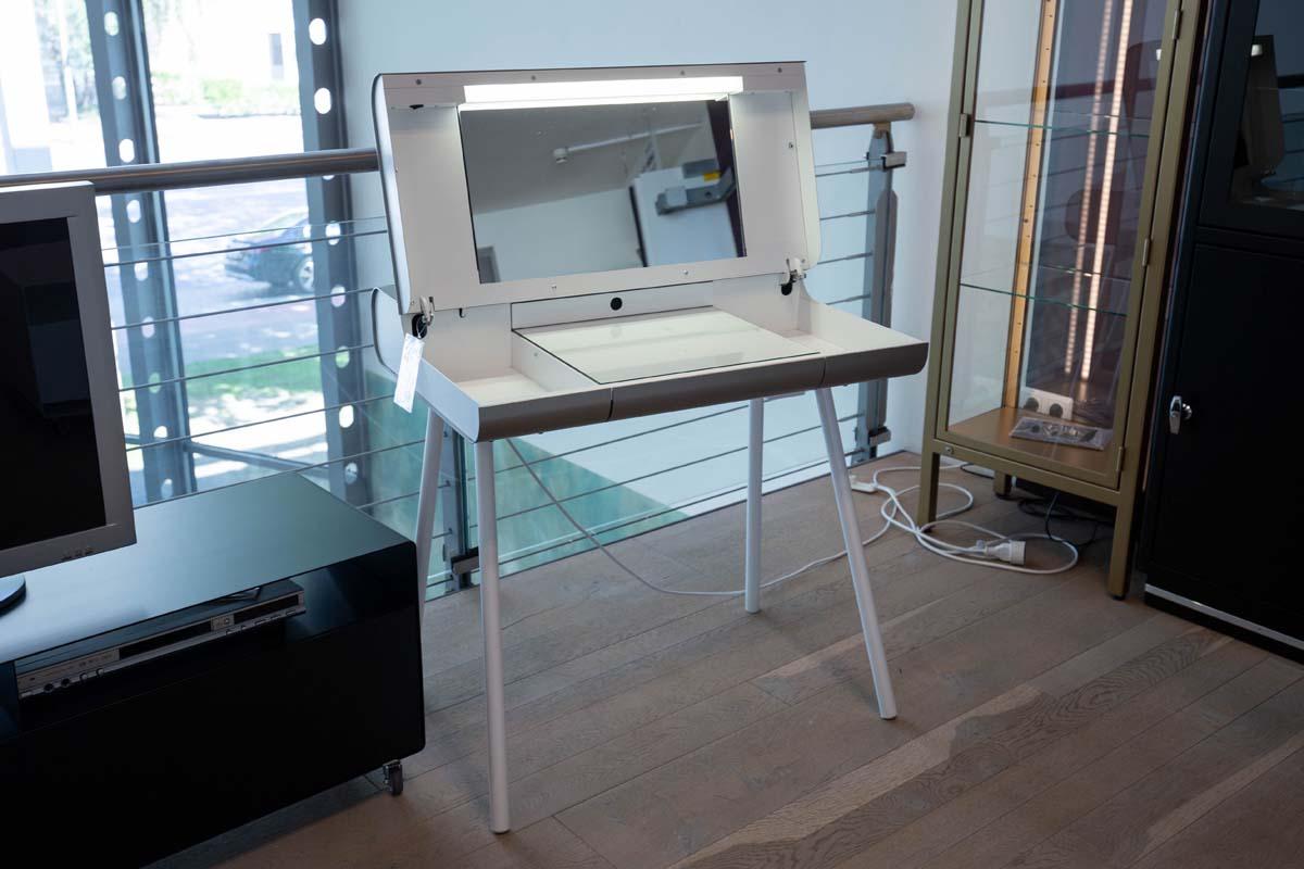 Ausstellungstück im Sale: Schminktisch ST08 von Müller Möbelfabrikation für 1.690 €