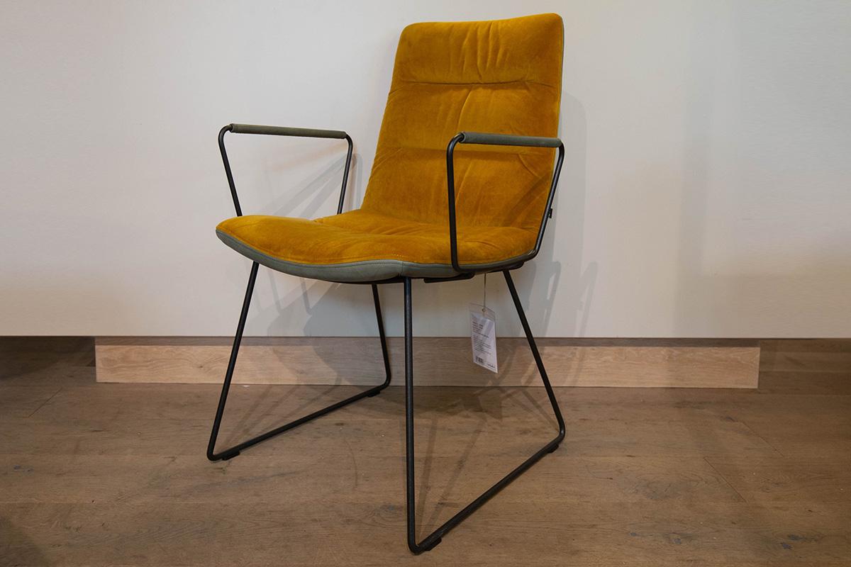 Ausstellungstück im Sale: Stuhl mit Armlehne Arva Light von KFF für 815 €