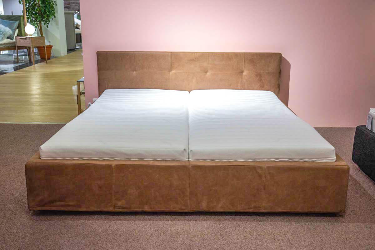 Ausstellungstück im Sale: Polsterbett Base von Cramer Polstermanufaktur für 3.490 €