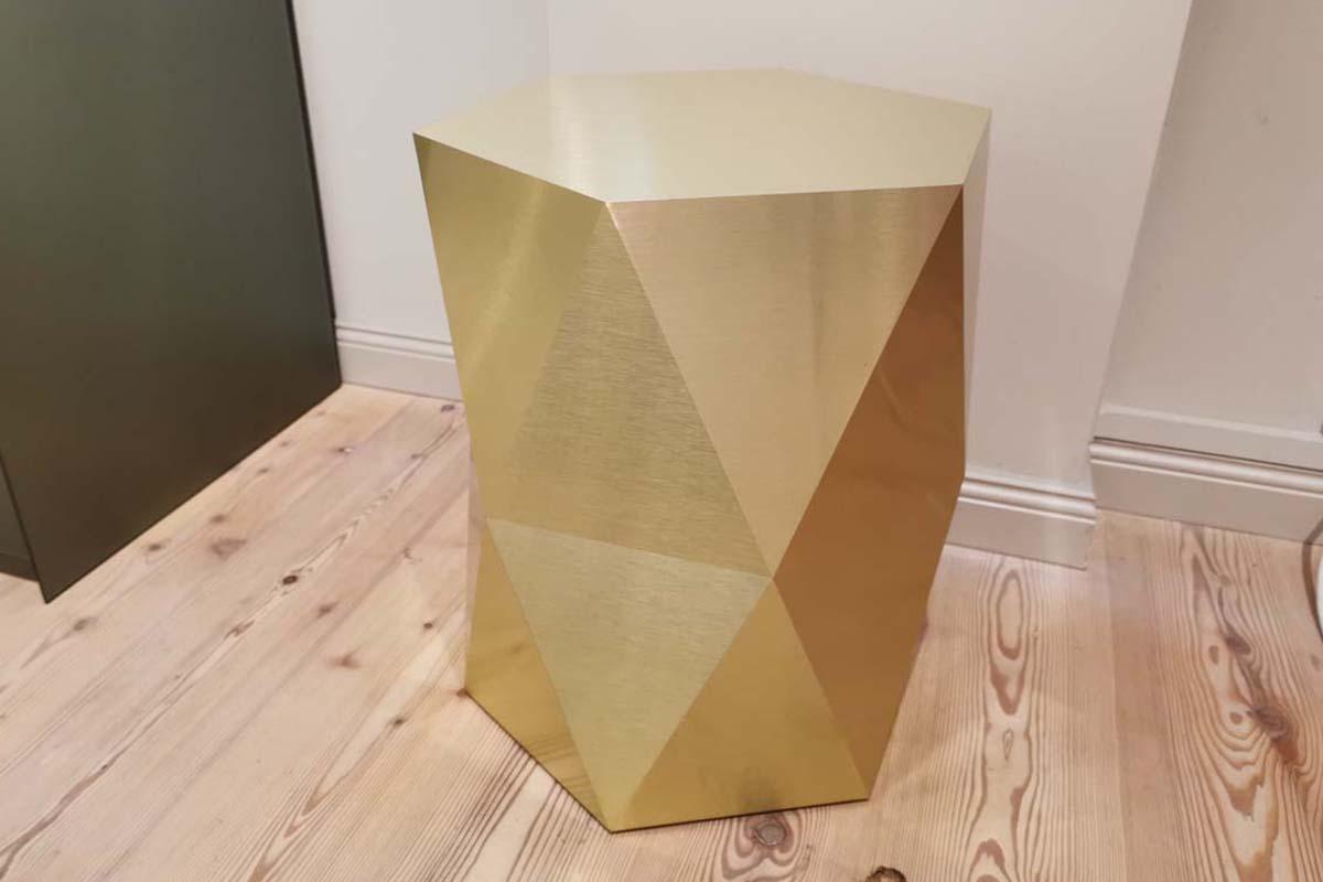 Ausstellungstück im Sale: Hocker Pouf von FormVorRat für 530 €