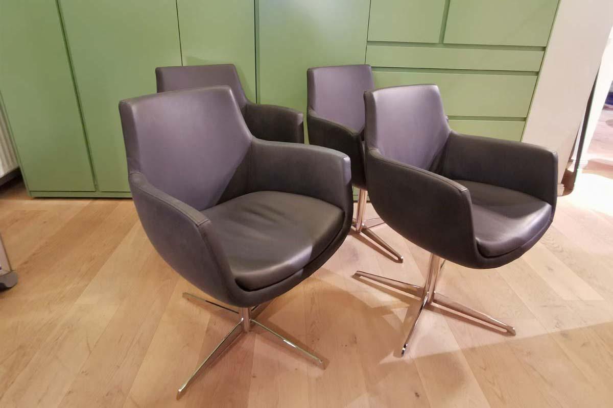 Ausstellungstück im Sale: Stuhlgruppe Pia von Cramer Polstermanufaktur für 2.950 €