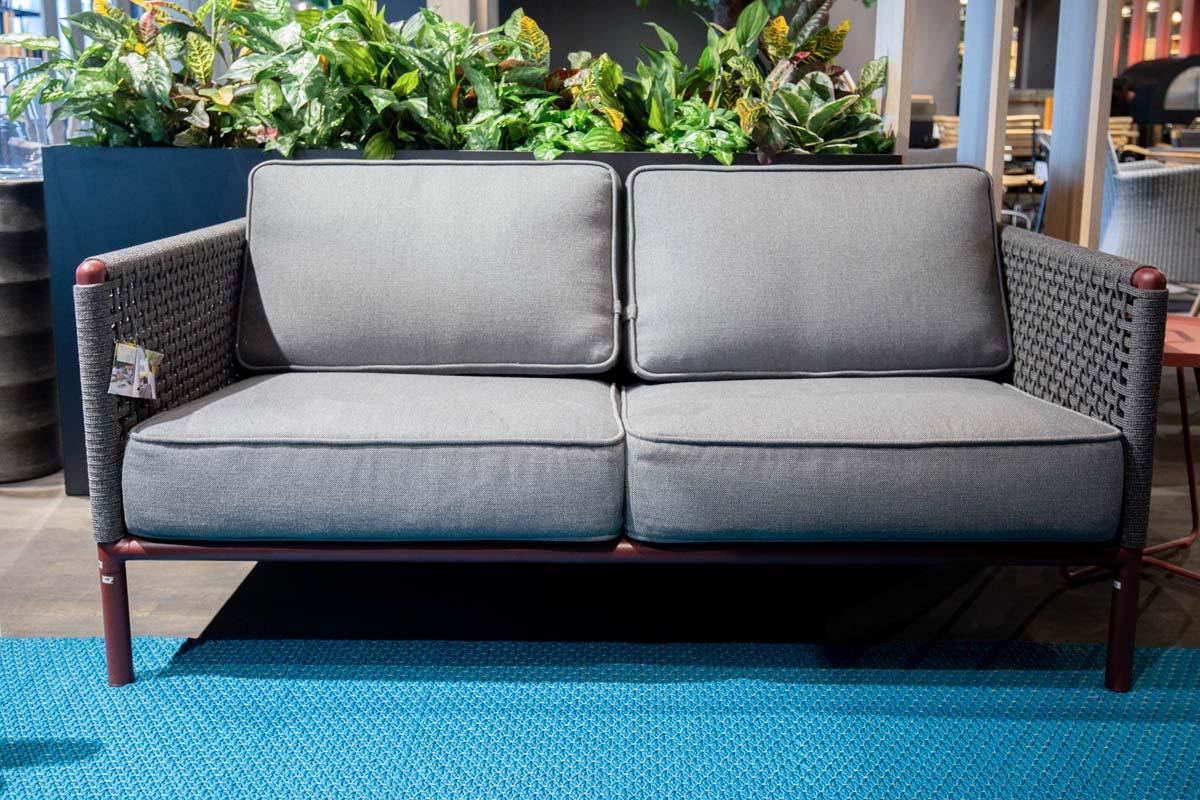 Ausstellungstück im Sale: Outdoor-Sofa Encore von Cane-line für 2.390 €