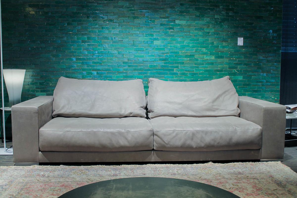 Ausstellungstück im Sale: Sofa Budapest von Baxter für 11.390 €