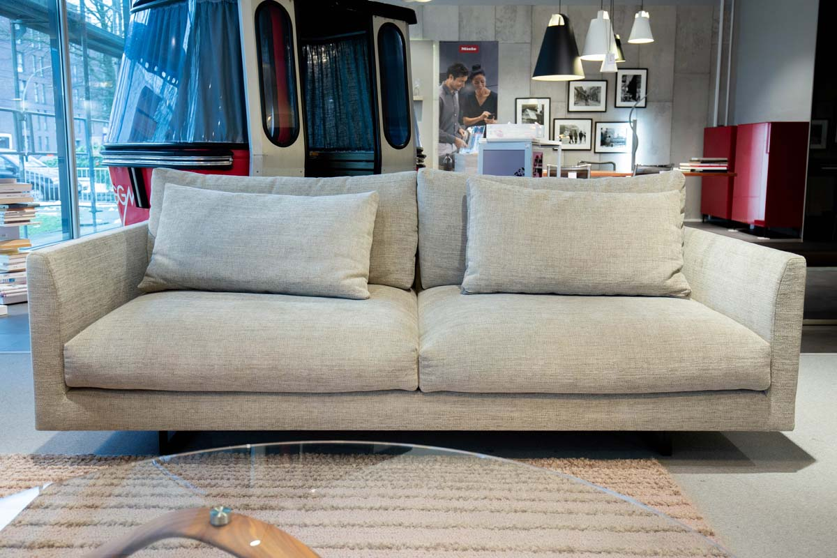 Ausstellungstück im Sale: Sofa Axel XL von Montis für 3.990 €