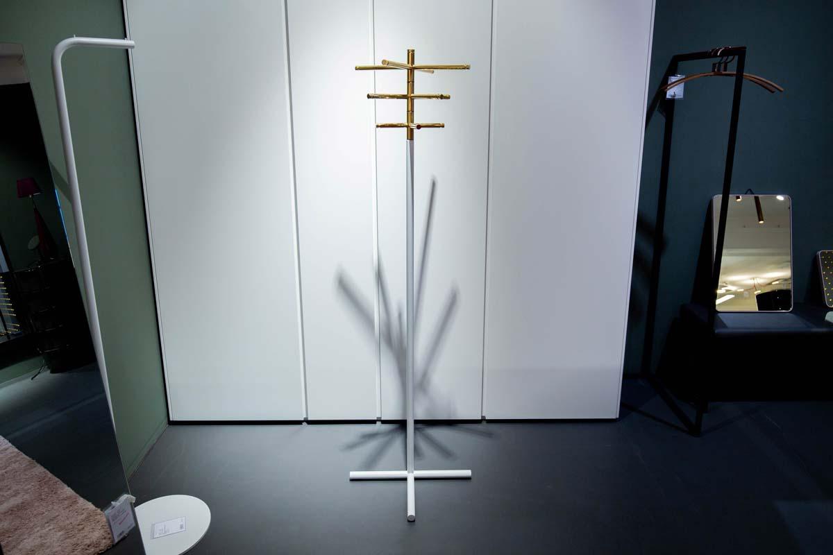 Ausstellungstück im Sale: Garderobenständer Crossway von Frost Design für 390 €