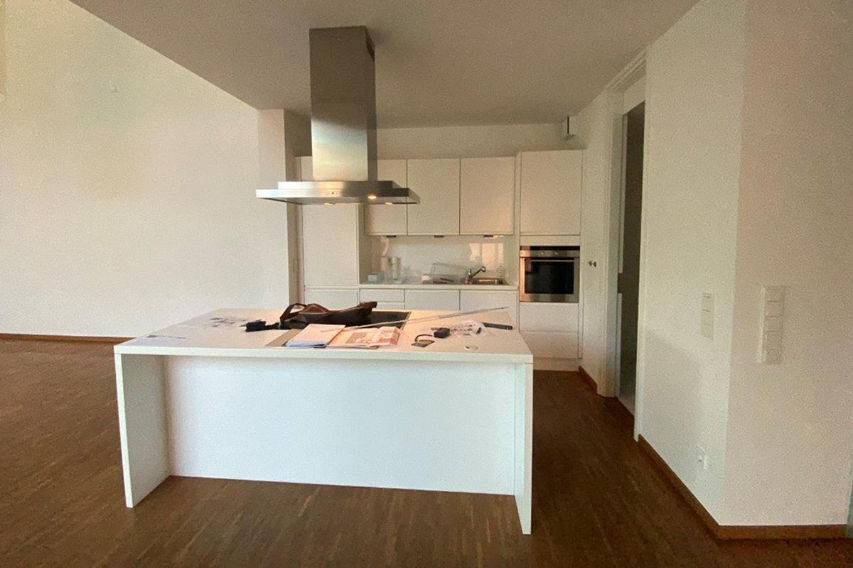 Ausstellungstück im Sale: Küche bestehend aus Kochinsel und Küchenzeile von Hummel Küchenwerk für 1.785 €